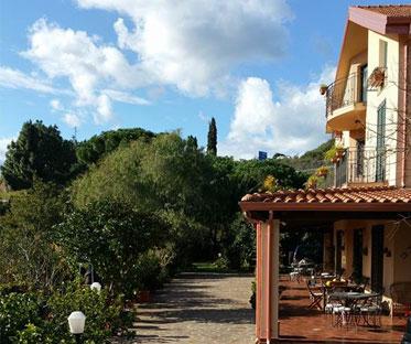 portico-frente-villa