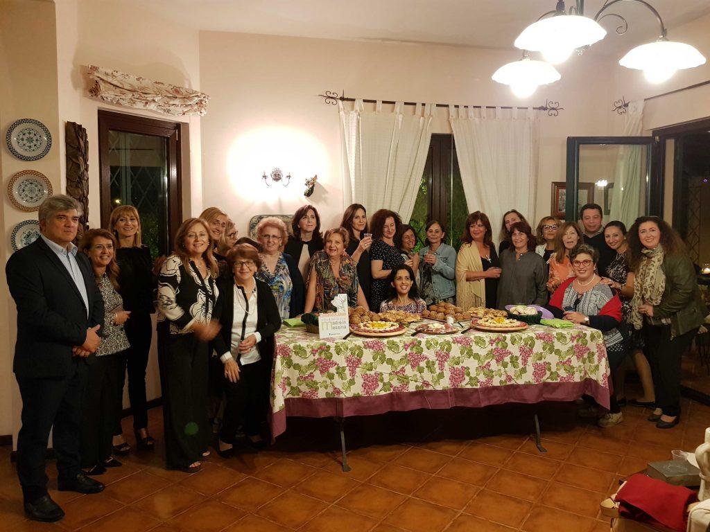 ospiti-tavolo-villa-erasmus